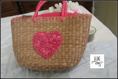 How to make a woven basket purse doorhanging the easy and thrifty way!  at thethriftygroove.com