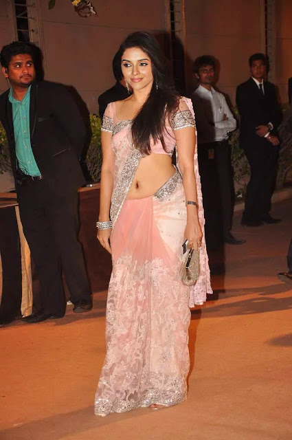 Asin Sexy NAVAL Pic In an Event