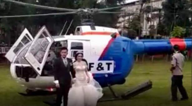 Pasangan pengantin di Siantar yang menggunakan helikopter