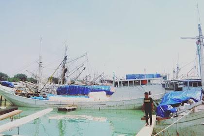 Swafoto di Pelabuhan Gresik