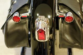 Cómo llevar equipaje en moto - Fénix Directo blog