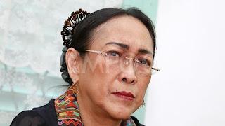 Sambil Menangis, Sukmawati Soekarnoputri Minta Maaf atas Puisinya