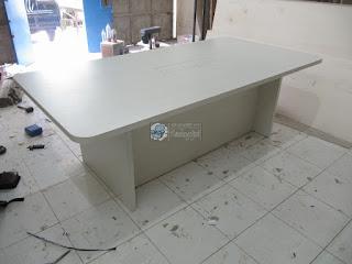 Meja Rapat Dengan Lan HUB dan Kursi Rapat Kantor - Furniture Kantor Semarang