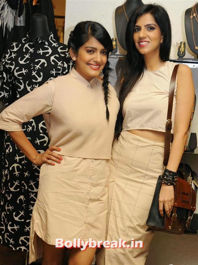 Vishakha Singh and Nishka Lulla, Vishakha Singh at Aparna and Azmina Host Summer Preview