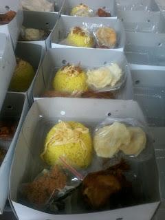 Paket Nasi Kuning Box 085692092435