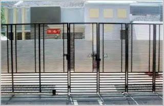 model pintu gerbang lipat