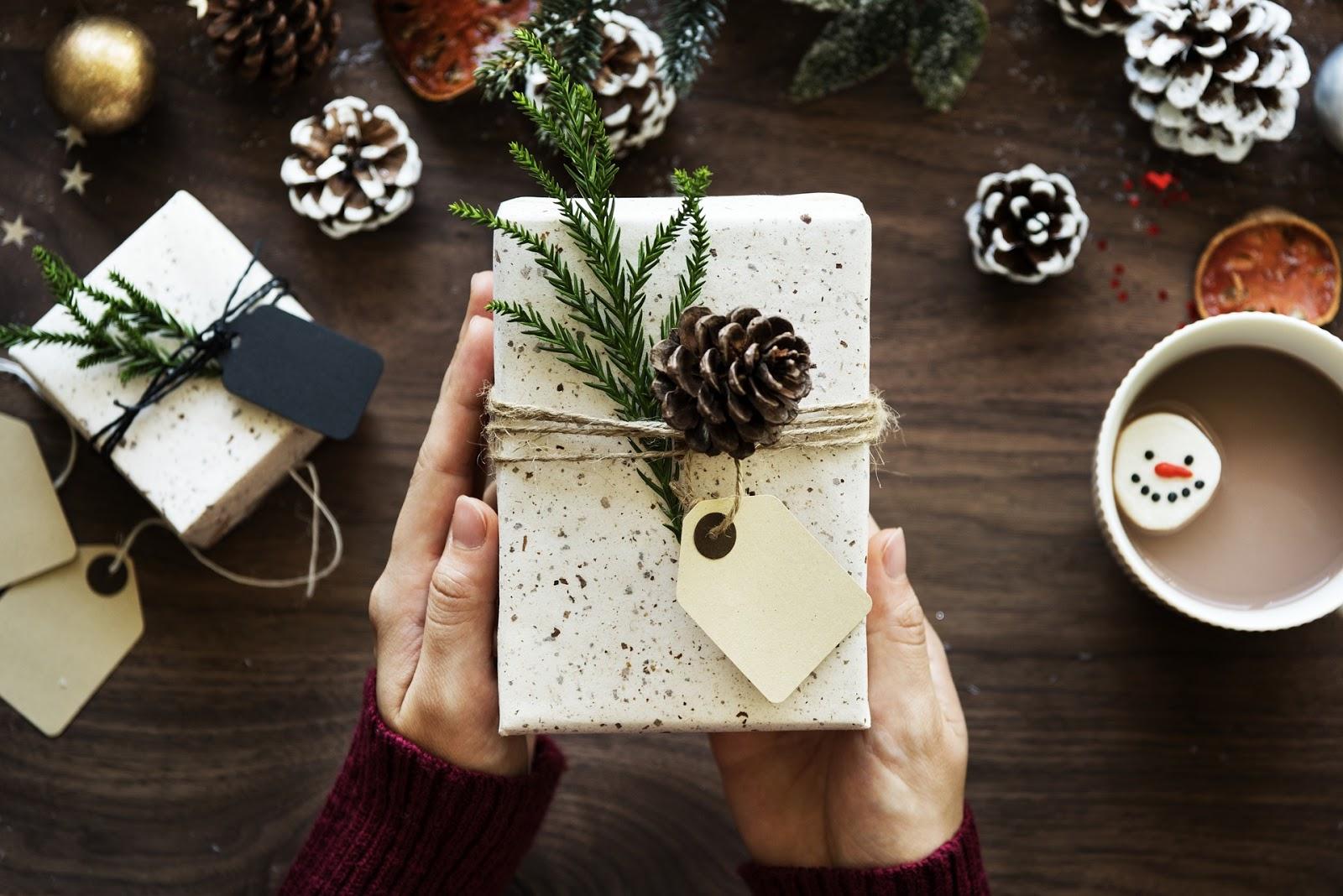 10 propozycji oryginalnych polskich prezentów świątecznych