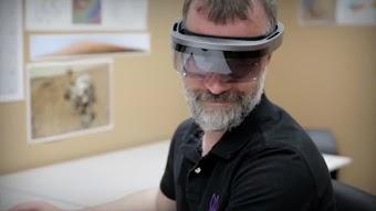 تقرير: هذا موعد تقديم مايكروسوفت لـ HoloLens