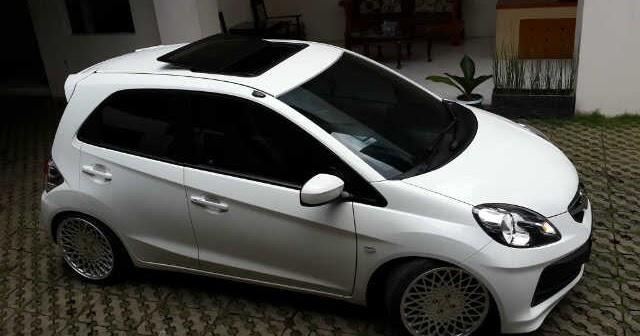 Wow Honda Brio Pakai Sunroof Organisasi Nasional