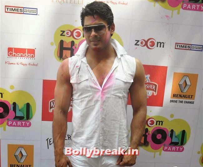 Siddharth Shukla, Sunny, Tanisha, Poonam & Kainaat at Zoom Holi Party 2014