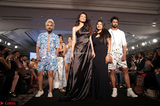 Manjari Phadnis, Meenakshi Dixit, Dipannita Sharma At Designer Nidhi Munim Summer Collection Fashion Week 18th March 2017 (1).JPG