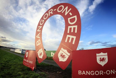 Bangor racecourse website and social media