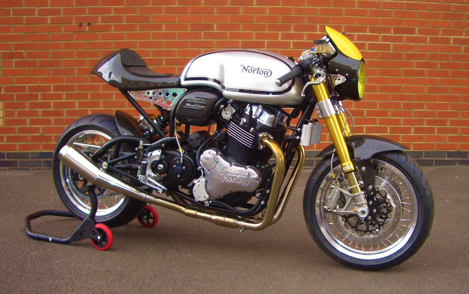 These Limited Edition MANX MAN Dominator stand out from the crowd with this one off Norton Dominator MANX MAN Ultimate Cafe Racer .