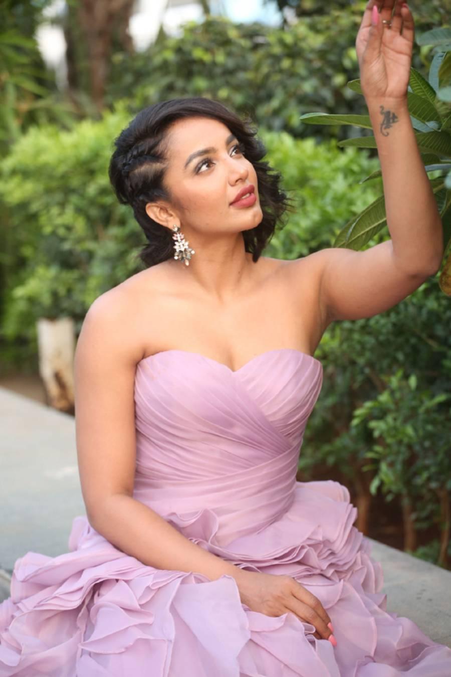 Indian Model Tejaswi Madivada at BeautyLand Beauty And Wellness