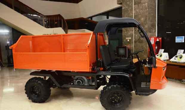 Mobil Pak Tani AMMDes bisa digunakan untuk beragam fungsi, antara lain pengangkut hasil bumi, penjernih air, pengangkut sampah