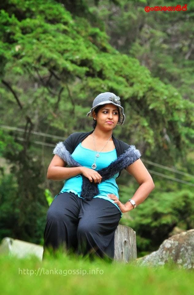 Sri lankan model Disala Sasmini Samaraweera hot stills