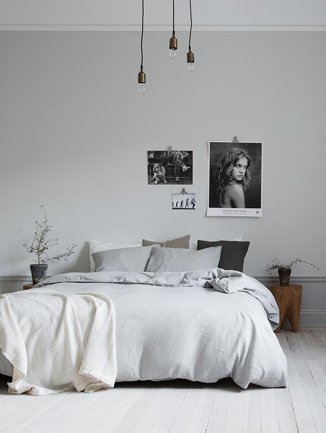 slaapkamer-met-foto;s-op-de-muur