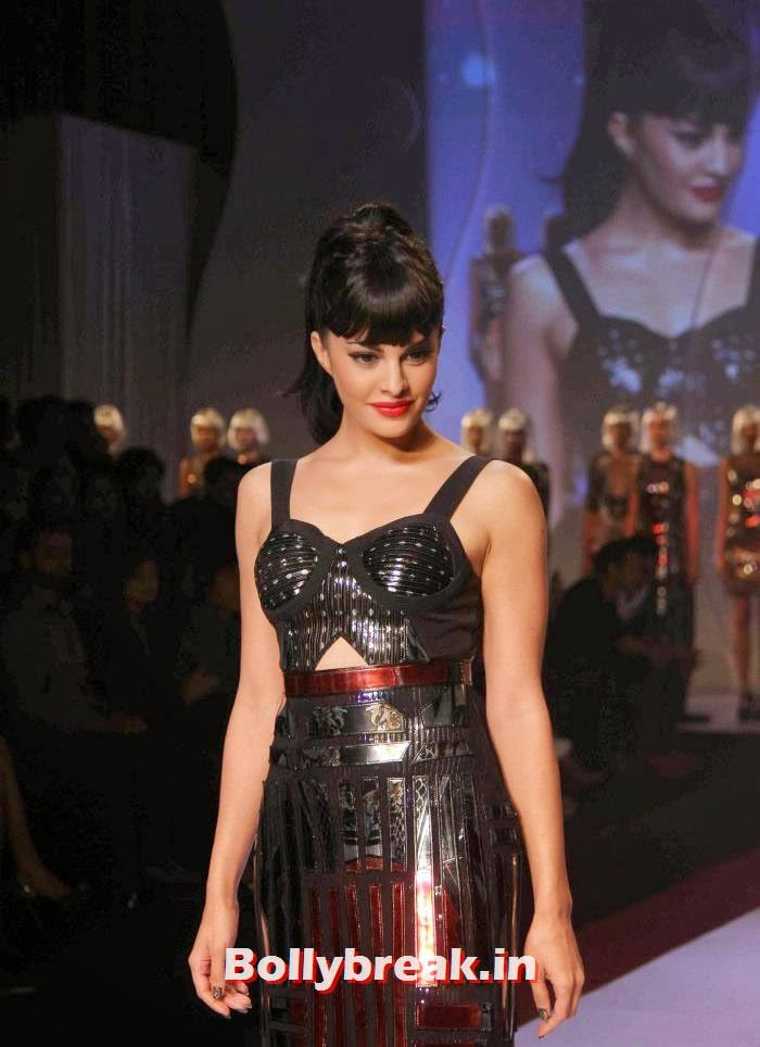 Jacqueline Fernandez, Kangana & Jacqueline at Signature International Fashion Weekend 2013