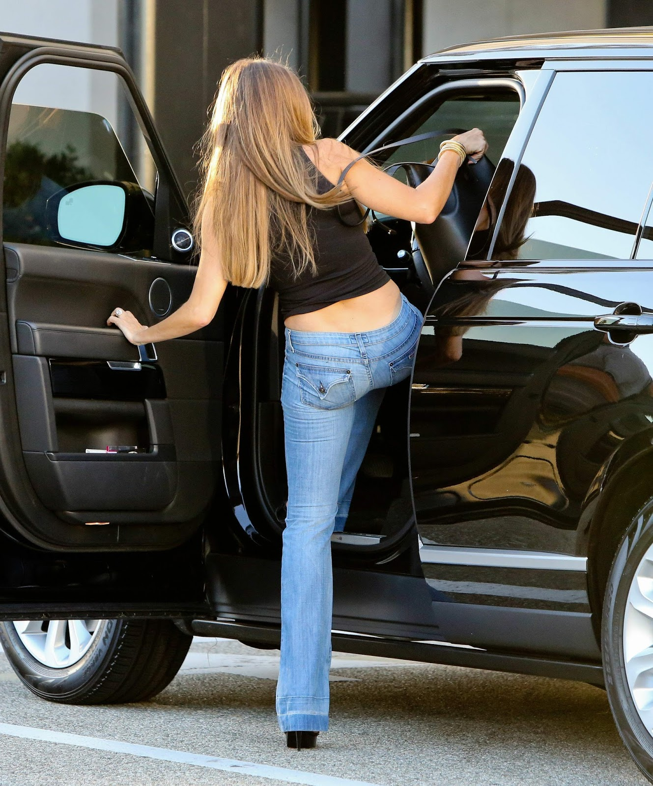 Sofia Vergara Nooty in Jeans
