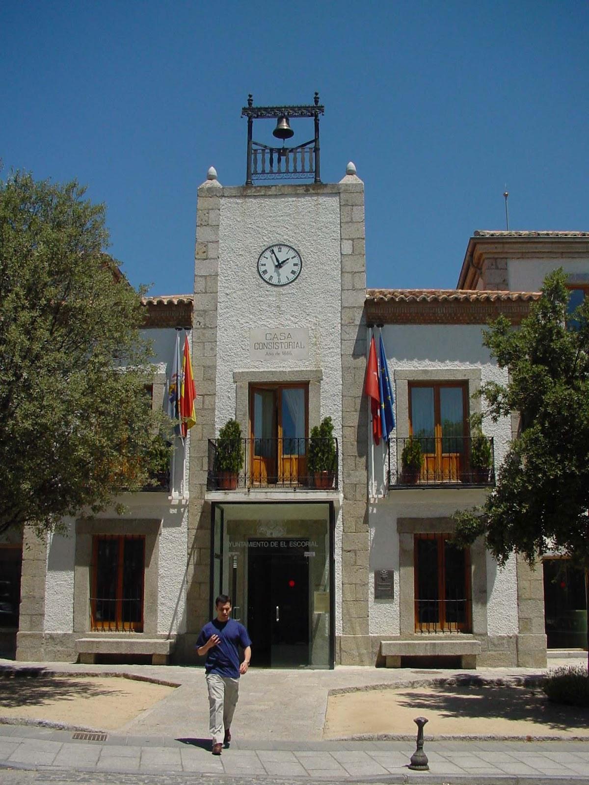 Entorno escorial el alcalde de el escorial recibe un - Casarse ayuntamiento madrid ...