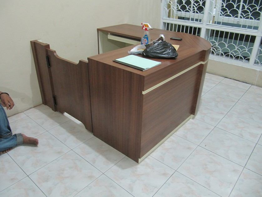 Meja resepsionis dan backdrop panel for Furniture 7 customer service