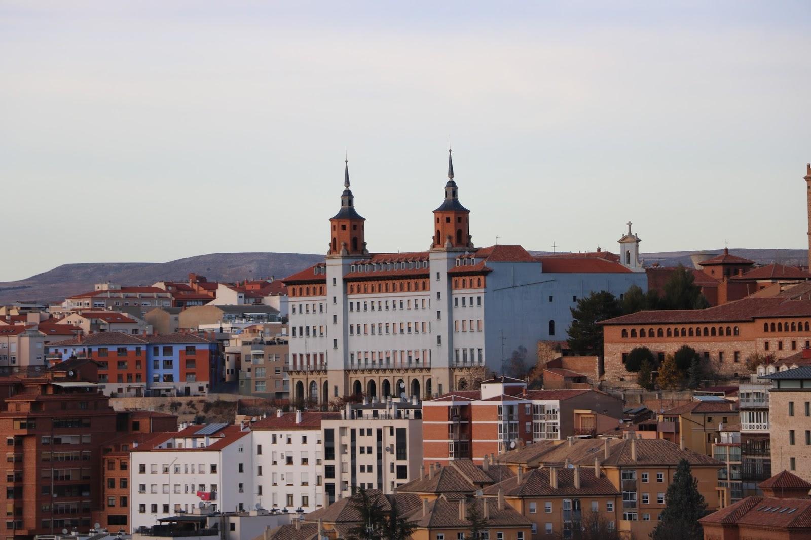 Miscel nea turolense noviembre2017 miscel nea la for Arquitectura franquista