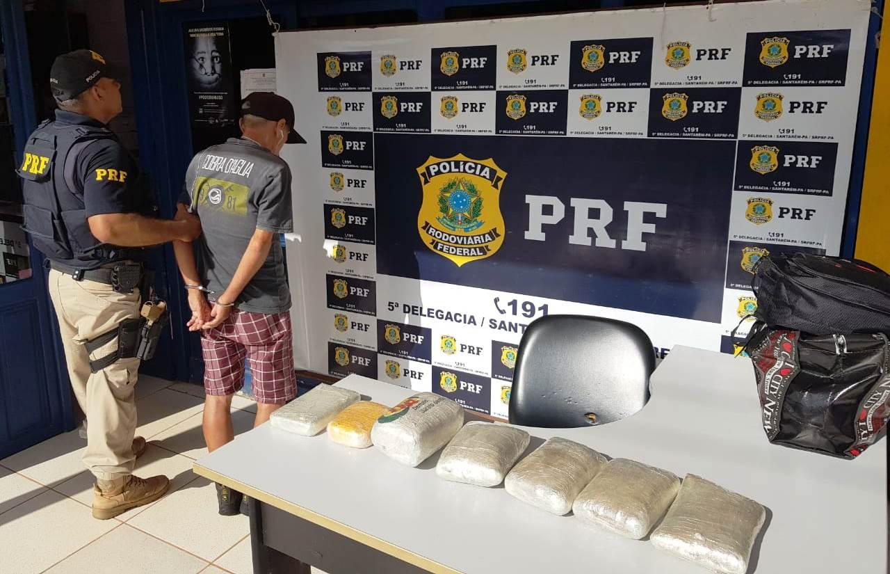 Polícia Rodoviária Federal prende homem de 68 anos com 8 quilos de cocaína na BR-163