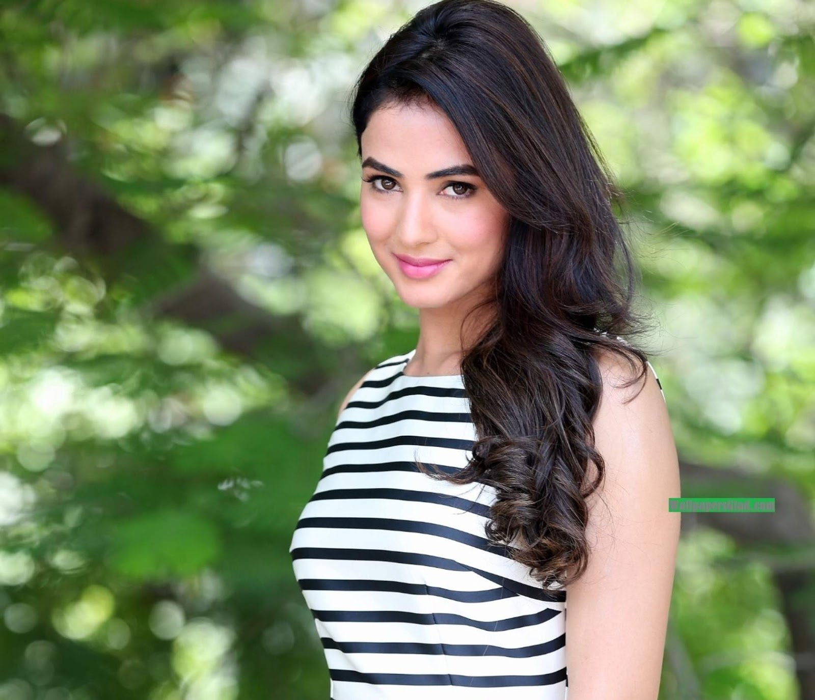 top indian model sonal chauhan full hd 4k wallpapers free download