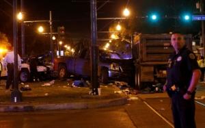 Motorista alcoolizado atropela mais de 20 pessoas em Carnaval dos EUA