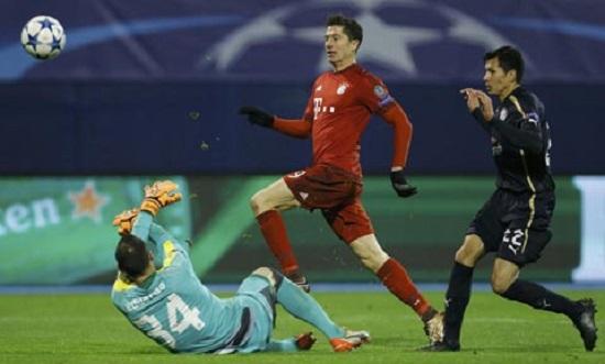Augsburg có chiến thắng trước Bayern trong trận giao hữu.