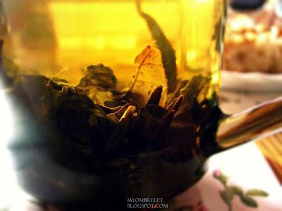 http://myombrelife.blogspot.com/2015/06/herbatoholiczka-1-zielona-herbata-czy.html
