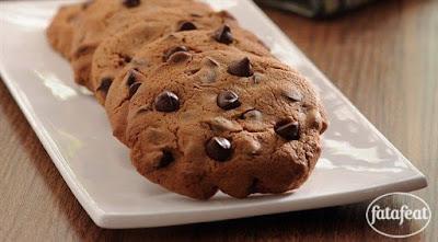 كوكيز الشوكولاتة مع قطع الشوكولاتة الصغيرة