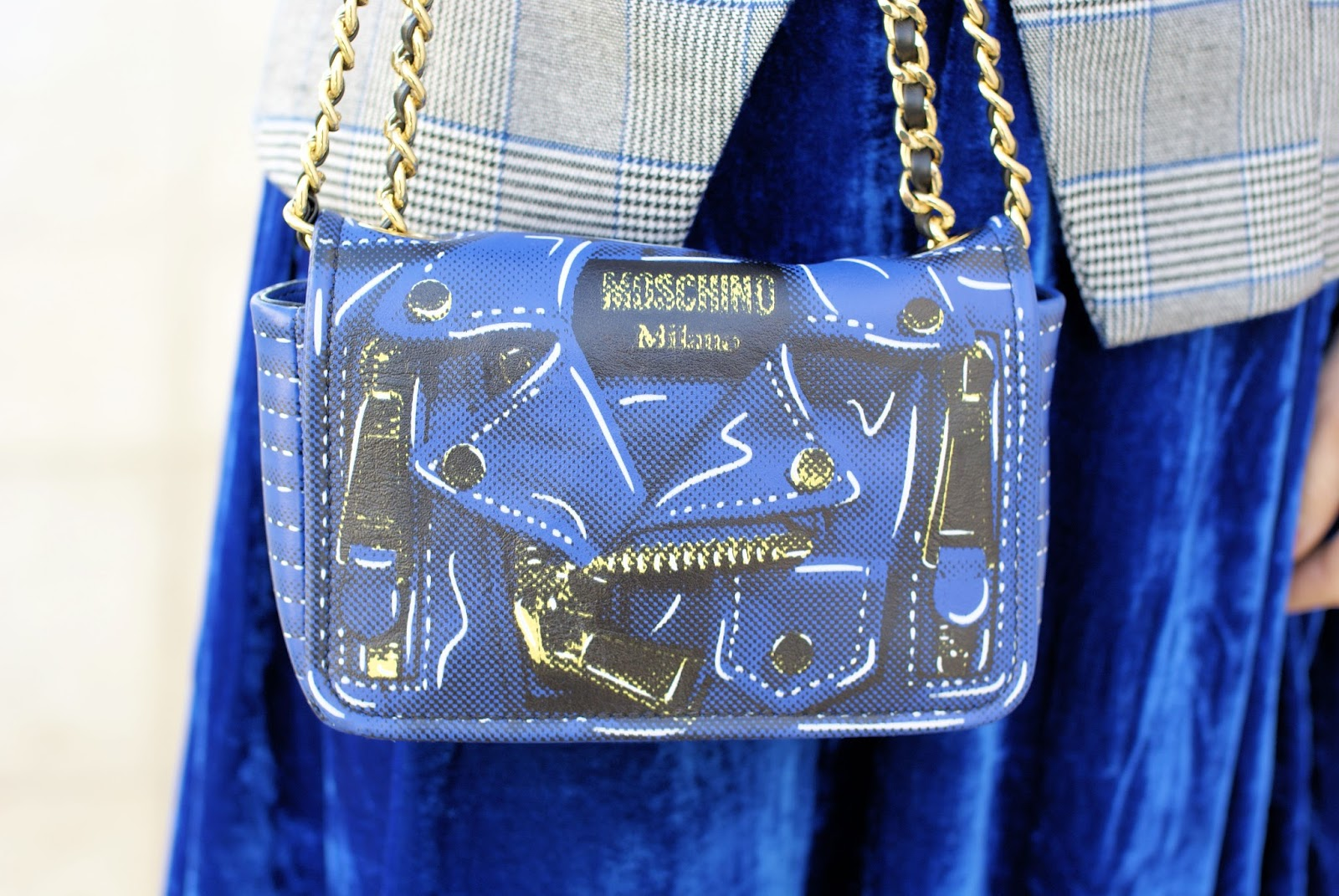 Moschino bag on Fashion and Cookies fashion blog, fashion blogger style