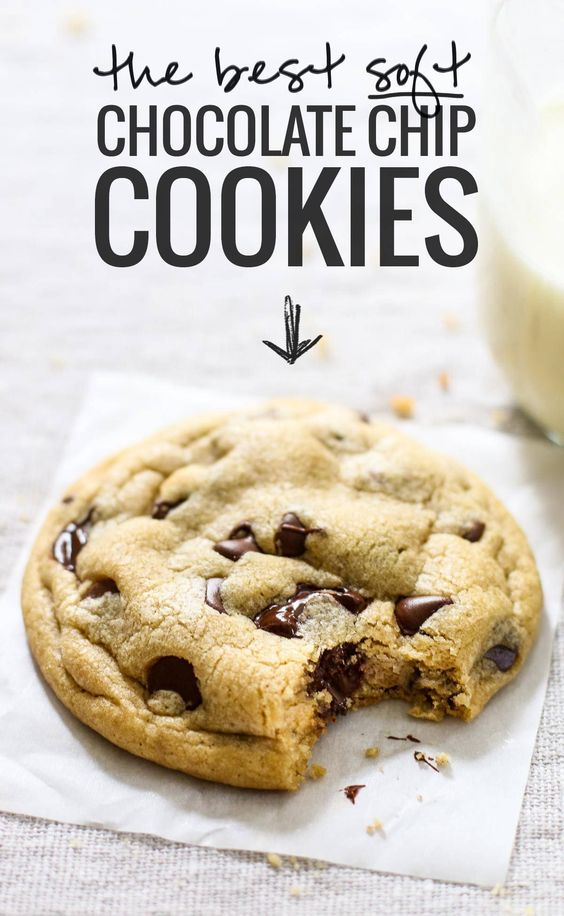 The Best Soft Chocolate Chip Cookies #chocolate #softchocolatechip #cookies #cookiesrecipes #easycookierecipes