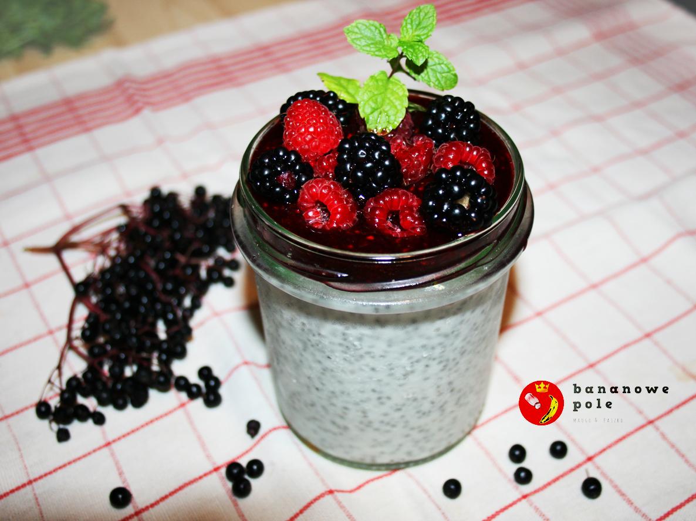 Pudding chia z musem malinowo-jeżynowym