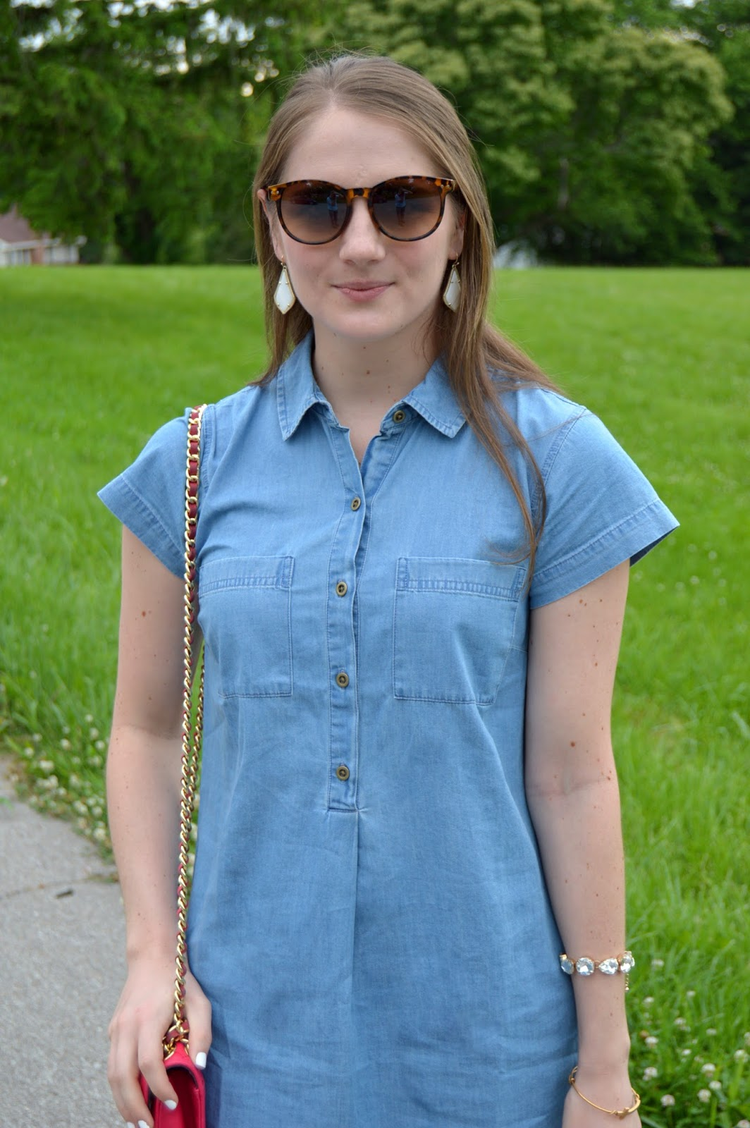 summer outfit ideas | what to wear with a chambray dress | summer lookbook | light wash chambray dress | chambray shirt dress | summer outfits | what to wear this summer | cute outfit ideas for summer | a memory of us
