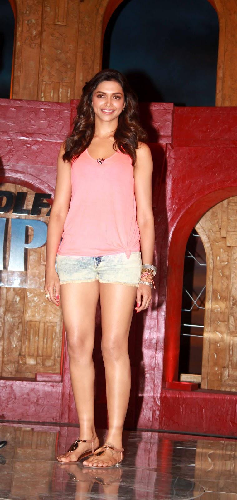 Bollywood Deepika Padukone Spicy Hot in Pink Top & Short ...