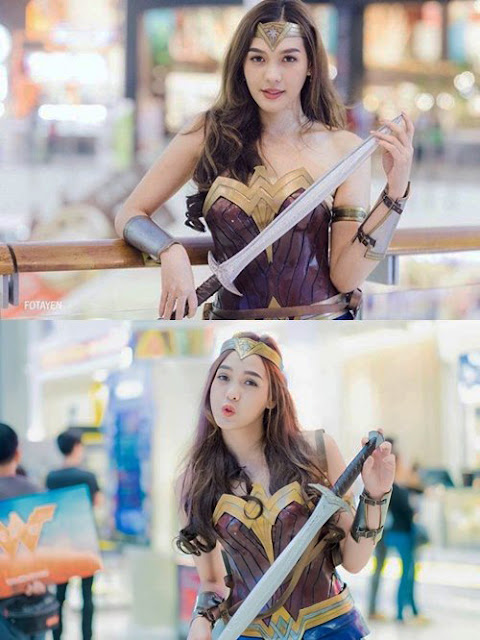 cosplayer cantik wonder woman thailand