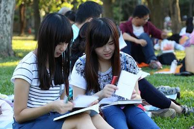 Asian girls reading