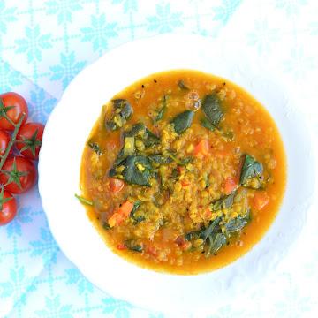 Zupa szpinakowo-soczewicowa z garam masalą - Czytaj więcej »