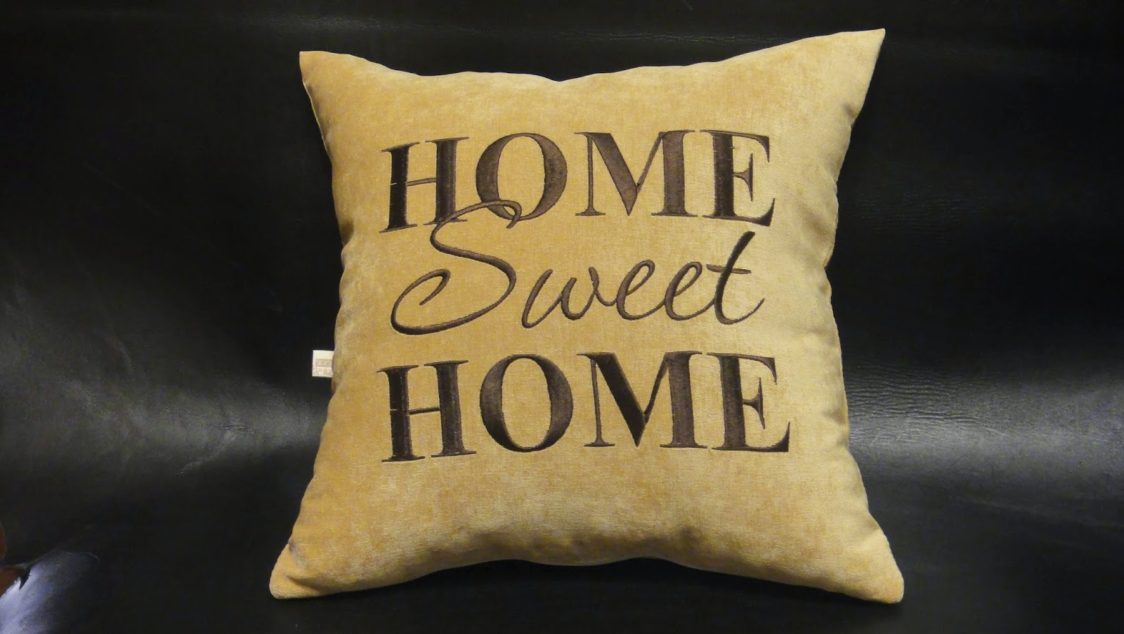 Подушка Уютный дом, подушка Sweet Home: ворсованная ткань, вышивальные нитки