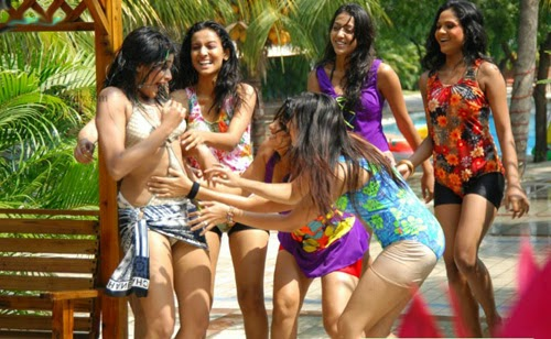 South Indian actress PRIYAMANI HD BIKINI PHOTO COLLECTION Hot and sexy
