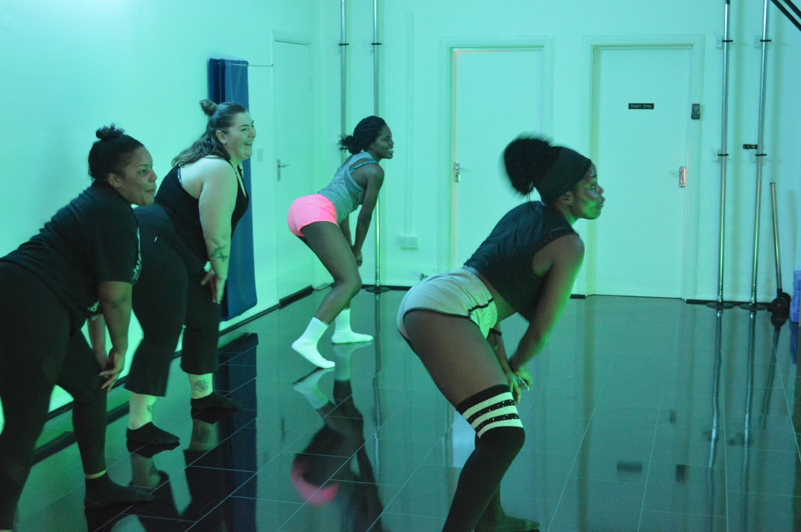 Learn To Twerk In London - Kelechnekoff Studios And Bloggers That Slay