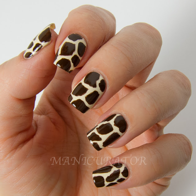 Animal Nail Art: Digit-al Dozen September Spectacular Animal (Giraffe) Nail