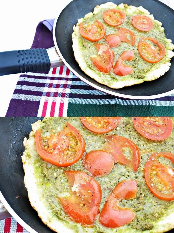 Pfannenpizza mit Pesto und Tomaten