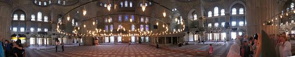 藍色清真寺全景,Babak Gholizadeh分享於 Wikipedia,CC by SA 2.5