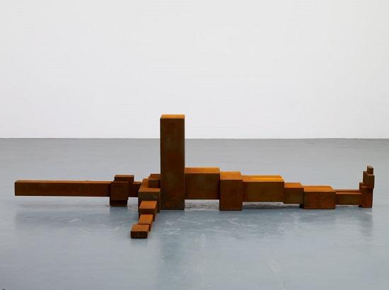 "Antony Gormley - ""Sprawl"", 2010. | imagenes obras de arte figurativo abstracto, esculturas figurativas abstractas | art pictures inspiration, cool stuff"