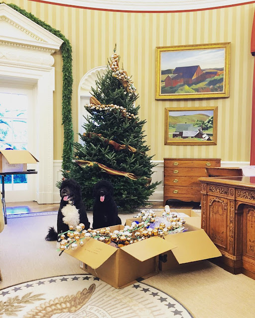 The Best Of Celebrity Christmas Trees - First Lady @michelleobama  - Cool Chic Style Fashion