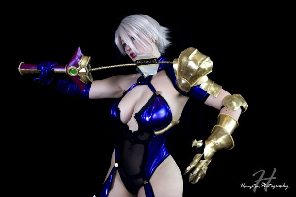 ivy valentine breasts cosplay