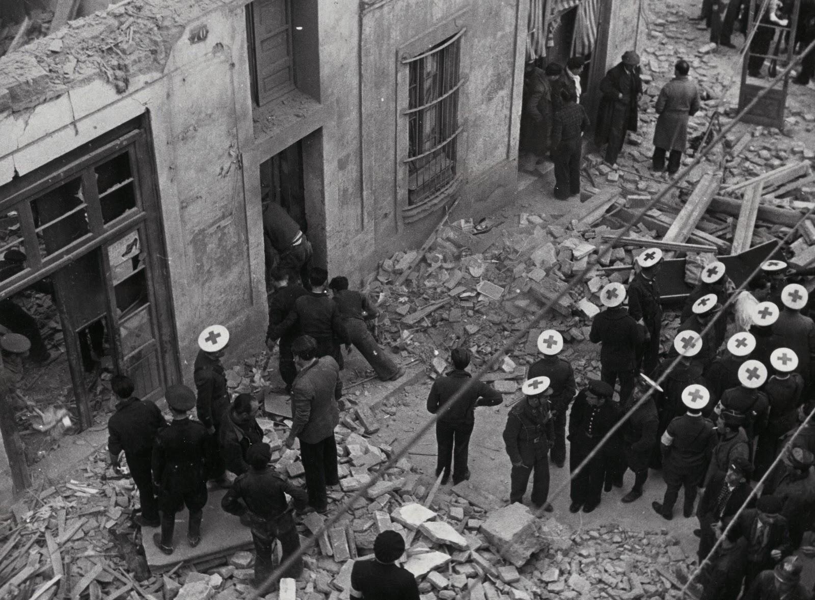 Las historias de doncel bombardeos a reos en la guerra - Fotografos en granollers ...